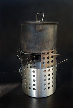 MYOG woodburning stove from ikea caddy and titanium tent stakes. Survival Stove, Camping Survival, Survival Prepping, Survival Skills, Camping Hacks, Emergency Preparedness, Camping Ideas, Survival Gear, Canoe Camping