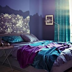 This combination of colours creates a fabulous bedroom setting, full of mystique and romance. #interiordesign #bedrooms #blue
