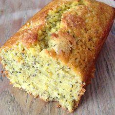 La parfaite recette de cake au citron pour le petit déjeuner avec des graines de chia pour une note healthy