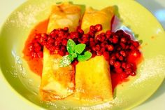 Pancakes with curd and strawberry sauce Preparation time: 50 minutes Quantity: 4 servings...