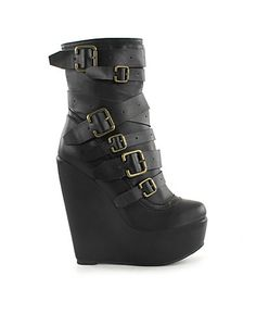 Buckle Stacked Strap boots