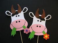 Shhhh.....ik hoor de koeien loeien! Animal Crafts For Kids, Winter Crafts For Kids, Autumn Crafts, Craft Activities For Kids, Preschool Crafts, Kids Crafts, Cow Appreciation Day, Cow Craft, Toilet Paper Art