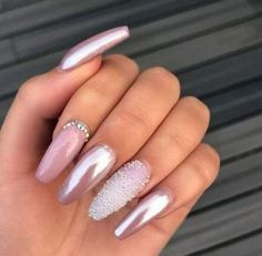 Semi-permanent varnish, false nails, patches: which manicure to choose? - My Nails Classy Nail Designs, Pink Nail Designs, Pretty Nail Designs, Acrylic Nail Designs, Nails Design, Acrylic Nails, Coffin Nails, Acrylics, Birthday Nail Designs