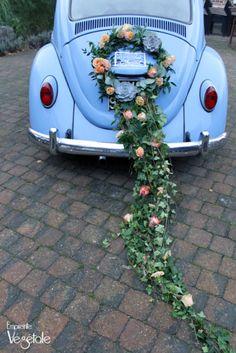 Mariage rétro bohème- voiture - Empreinte végétale Wedding Car Decorations, Flower Decorations, Wedding Events, Wedding Day, Bridal Car, Wedding Transportation, Deco Floral, Just Married, Beetle