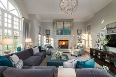 Traditional Home Design - Living Room #ideas #house #inspiration