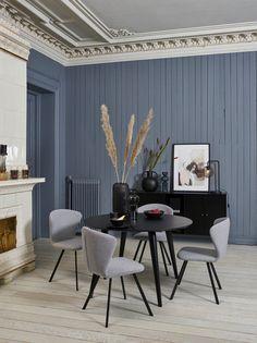 VIGGO Spisestol i lyse grå stoff Spy 30 med svarte stålben Decor, Furniture, Conference Room, Room, Table, Home Decor, Conference Room Table