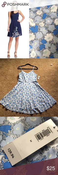 NWT Old Navy Sundress! Beautiful and never worn, this is a great dress for the beach, the sun, relaxing, and some summer fun!!  BUNDLE TO SAVE!!  open to offers  Old Navy Dresses Midi