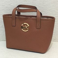 Fashion Trends Michael Kors Outlet, Buy Cheap Michael Kors Handbags Only $39.99 From Here, Where To Buy Michael Kors Handbags? Here It Is! #Michael #Kors #Handbags