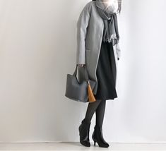 【coordinate】モノトーンコーデにカラー小物 Uniqlo, Normcore, Coat, Jackets, Image, Style, Fashion, Down Jackets, Moda