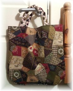 ...the lining for the reversible bag is some lovely crazy patchwork fabric by Benartex.