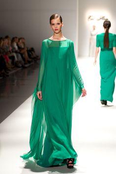 Tot-hom_FW14 #tothom #altacostura #elegancia #modamujer #moda #fashion #desfile #fw14 #Barcelona #Madrid #tendencia #model #modelo #minimal #crêpe #noche #fiesta #chantilly #shantung #fantasia #mujerespecial #tejidos #leopardo #invierno
