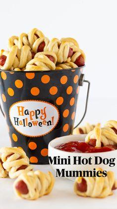 Mini Hot Dogs, Halloween Treats, Halloween Fun, Recipe Maker, Dessert Recipes, Dinner Recipes, Us Foods, How To Make Cake, Fall Recipes