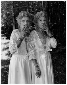 Mary Ellen Mark street photography Sue Gallo Baugher et Faye Gallo,Twinsburg, Ohio, 1998