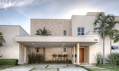 revestimento de parede externa - Google Search House Architecture Styles, Architecture Design, Style At Home, Modern House Facades, House Front Design, House Elevation, Dream Home Design, Facade House, Log Homes
