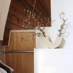 @erenatepaa   Calm corners in the master bedroom, vase by Rachel Saunders, arrangement by Mark Antonia