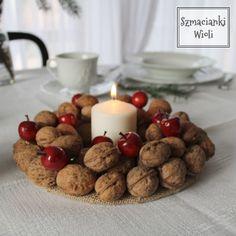 Świąteczny wianek z orzechów Xmas, Breakfast, Food, Morning Coffee, Christmas, Essen, Navidad, Meals, Noel
