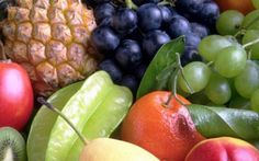 Gli 11 alimenti più sani barbabietola, bietola, curcuma, cavolo, canella, melograno, prugne secche, semi di zucca, sardine, mirtilli e zucca.