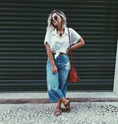 What the Athleisure trend is and how you can rock it Casual Chic, Casual Jeans, Casual Outfits, Cute Outfits, Smart Casual, Sweater Outfits, Athleisure Trend, Shirred Dress, Trendy Swimwear