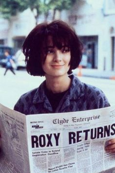 Winona Ryder in one of my favorite movies, Welcome Home, Roxy Carmichael. Style Outfits, Hip Hop Outfits, Zendaya Outfits, Welcome Home Roxy Carmichael, Pretty People, Beautiful People, Journal Photo, Fashion Guys, Stone Fox Bride