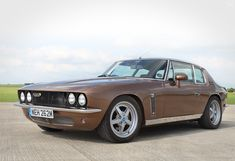 Established as leaders in the thorough modernisation and restoration of British cars from the Jensen International Automotive will be exhibiting this year at Salon Privé. Ticket link in bio. Jensen Interceptor, Cheap Sports Cars, Acura Nsx, Performance Cars, American Muscle Cars, Ford Gt, Hot Cars, Classic Cars, Modern Classic