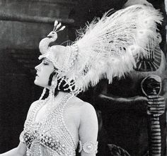 """movie star Gloria Swanson wearing a wonderful pearl and feather peacock headdress and costume from the movie """"Male and Female"""", Vintage Glamour, Vintage Beauty, Vintage Fashion, 1920s Glamour, Fashion 1920s, High Fashion, Cabaret, Hollywood Glamour, Old Hollywood"""
