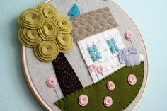 You already know I think Checkout Girl Melissa Crowe is a needlework genius. So you won't be surprised to learn that the tree and flowers in this felt applique design made me literally squeal… Fabric Art, Fabric Crafts, Sewing Crafts, Felt Crafts, Diy Crafts, Craft Projects, Sewing Projects, Felt House, Embroidery Hoop Art