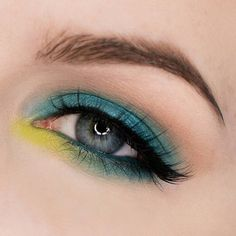 """R E B E C C A S H O R E S on Instagram: """"Turquoise and greens! Click the link in my bio to watch my tutorial for this look or go to youtube.com/rebeccashoresmua I am wearing @sauceboxcosmetics @batalashbeauty Batalash palette, @nubounsom @AlexFaction Faction lashes @anastasiabeverlyhills Brow Powder Duo in Ash Brown, @strobecosmetics Aqua Babe eyeshadow,@meltcosmetics Blur Eyeshadow @urbandecaycosmetics Electric Palette and @katvondbeauty Tattoo liner in Trooper"""""""