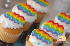 Chevron Rainbow Cupcakes - perfect for a rainbow party!