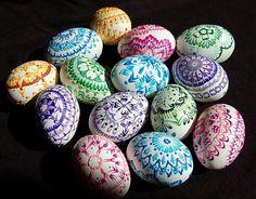 Vzory na bielych vajciach / kraslice