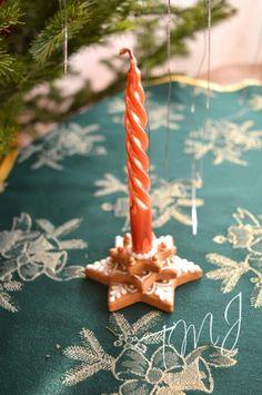 Small star gingerbread cookie candle holder. Kis csillag mézeskalács gyertyatartó.
