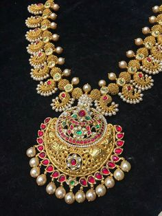 Indian Wedding Jewelry, Indian Jewelry, Bridal Jewelry, Gold Jewelry, Jewelery, Pearl And Diamond Necklace, Antique Necklace, Mango Mala, Jewelry Patterns