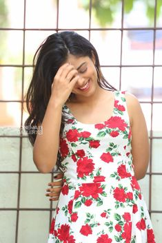 Siddhi Idnani still during her interview My Girl, Floral Tops, Interview, Actresses, Indian, Casual, Cute, Beautiful, Girls