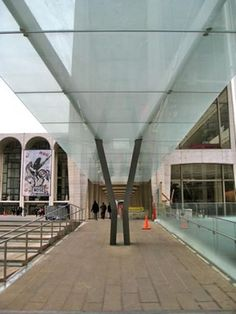 Lincoln Center Canopies – Glass Supporting Steel