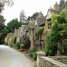 Travel Inspiration for England - 18 British Villages You Should Run Away To
