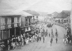 """Spanish marines of the """"Ejercito Expedicionario"""" march in Manila Philippine-American War, Emilio Aguinaldo, Fort Santiago, Philippine Architecture, Oct 1, March, Jose Rizal, Cuba, Intramuros, Filipino Culture"""