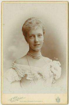 "Archduchess Elisabeth of Austria AKA The red archduchess"". 1901."