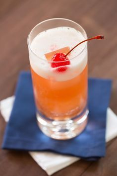 Love the cherry in an ice cube Italian Surfer ~coconut rum, amaretto, pineapple juice, cranberry juice from The Drink Kings Drinks Alcohol Recipes, Non Alcoholic Drinks, Bar Drinks, Cocktail Drinks, Cocktail Recipes, Juice Recipes, Drink Recipes, Healthy Recipes, Cranberry Smoothie