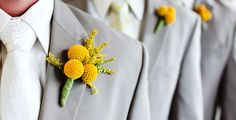 SPECIAL THOUGHTS IN EVERY GROOMSMEN BOUTONNIERE. It's commonly thought that looking fashionably good at a wedding is for the bride and groom only. Next to the couple, the bridesmaids and the groomsmen are expected to look their best without overshadowing the main characters. The ladies have easier ways to coordinate their look with the bride, but it can be more challenging for the gentlemen to dress up according to the wedding dress code rules.