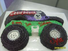 Grave Digger on Cake Central Monster Jam Cake, Monster Truck Cupcakes, Monster Truck Birthday Cake, Monster Trucks, Digger Birthday Cake, Digger Birthday Parties, 5th Birthday, Birthday Ideas, Digger Party