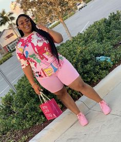 This summer outfit will catch people attention for young girl and older women plus size fashion for the summer. Thick Girl Fashion, Plus Size Fashion For Women, Black Women Fashion, Curvy Fashion, Look Fashion, Womens Fashion, 70s Fashion, Modest Fashion, Korean Fashion