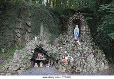 a-grotto-dedicated-to-the-virgin-mary-at-montignies-saint-christophe-ctp4x0.jpg (640×447)