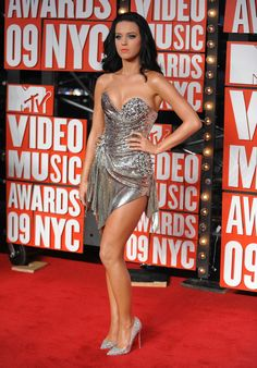 Katy Perry sparkles at the MTV Video Music Awards 2009.