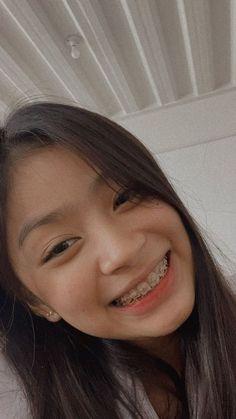 Selfie Tips, Selfie Poses, Cute Girl Face, Cute Girl Photo, Teen Girl Photography, Filipina Girls, Filipina Beauty, Bullet Journal Aesthetic, Gangsta Girl