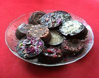 Schmilzt auf der Zunge. Für Naschkatzen gibt es heute vegane Zartbitter-Schokolade mit Gewürzen verfeinert oder einfach ohne.  http://schatzwaskochichheute.blogspot.co.at/2013/01/vegane-zartbitterschokolade-mit-stevia.html  Viel Freude beim Nachkochen & Laß es Dir schmecken! einfach vegan inspiriert genießen :-) #vegan #rezepte #bio #fairtrade #kakao #kakaobutter #rosenknospen #lavendel #sesam #rosapfeffer #kakaobohnen #goji #sanddorn #berberitze #mandeln
