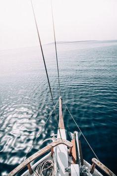 DAYS OF CAMILLE: TRIP IN GREECE : LES CYCLADES - UNE JOURNEE SUR UN CAIQUE