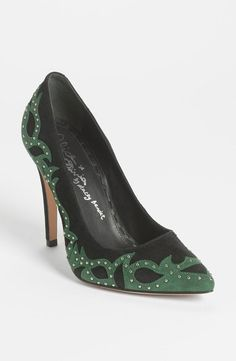 Emerald! Alice + Olivia Pump ~ LOVE, BUT wish the heel was a shorter, wider wedge
