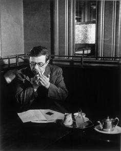 Sartre au café de Flore 1945 photo Brassaï