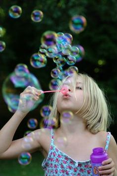 Oh the joy of blowing bubbles! - This photo reminds me of my granddaughter Hannah. She loves bubble blowing. Summer Fun, Summer Time, Bubble Balloons, Blowing Bubbles, Soap Bubbles, How To Pose, Color Of Life, Stock Foto, Simple Pleasures