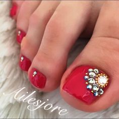 Red-Rhinestone Toe Nail art nailbook.jp Pedicure Nail Art, Pedicure Designs, Toe Nail Art, Red Pedicure, Toe Nail Designs, Cute Toe Nails, Sassy Nails, Fun Nails, Cowboy Nails