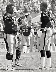 Old-School Raiders Lester Hayes and Mike Haynes (NYTimes.com)